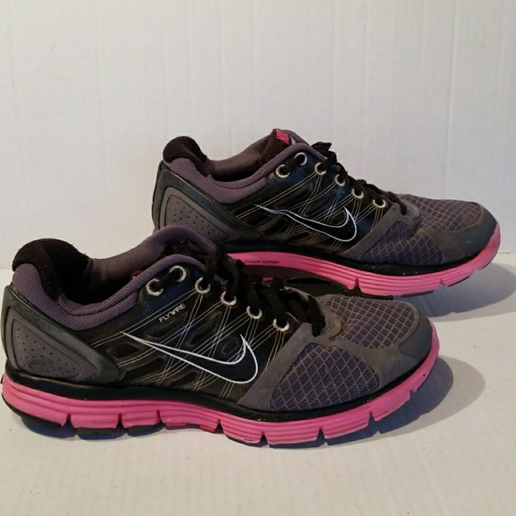 ab6fe9f42e19 Nike Lunarglide 2 women s shoes size 7. M 5aa4568846aa7c4b1693d52a